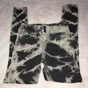 Blackheart Hot Topic black tie dye skinny jeans 1